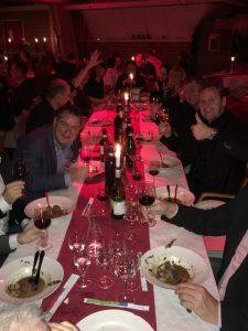 Kerstdiner 2015 aan tafel 2